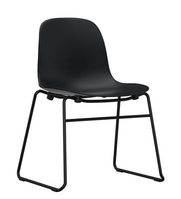 Chaise empilable Form / Pied métal - Normann Copenhagen noir en matière plastique