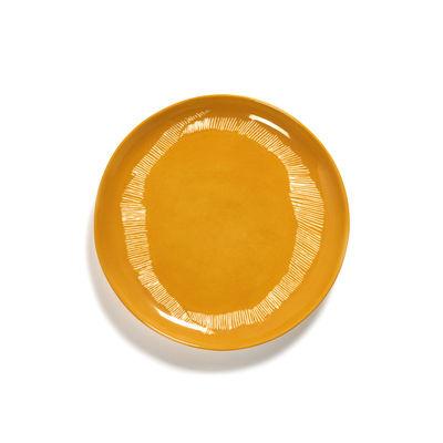 Arts de la table - Assiettes - Assiette Feast Medium / Ø 22,5 cm - Serax - Traits / Jaune & blanc - Grès émaillé