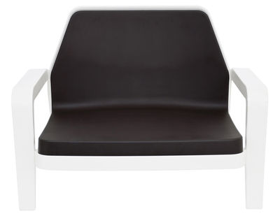 Möbel - Lounge Sessel - America Lounge Sessel - Slide - Gestell weiß / Sitzkissen chocolat (braun) - Polyéthylène recyclable, Polyurhethan
