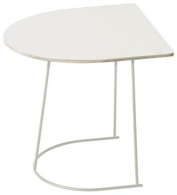 Möbel - Couchtische - Airy Half Beistelltisch / 44 x 39 cm - Muuto - gebrochenes Weiß  / Fußgestell gebrochenes Weiß  - bemalter Stahl, Furnier, Press-Spanplatte