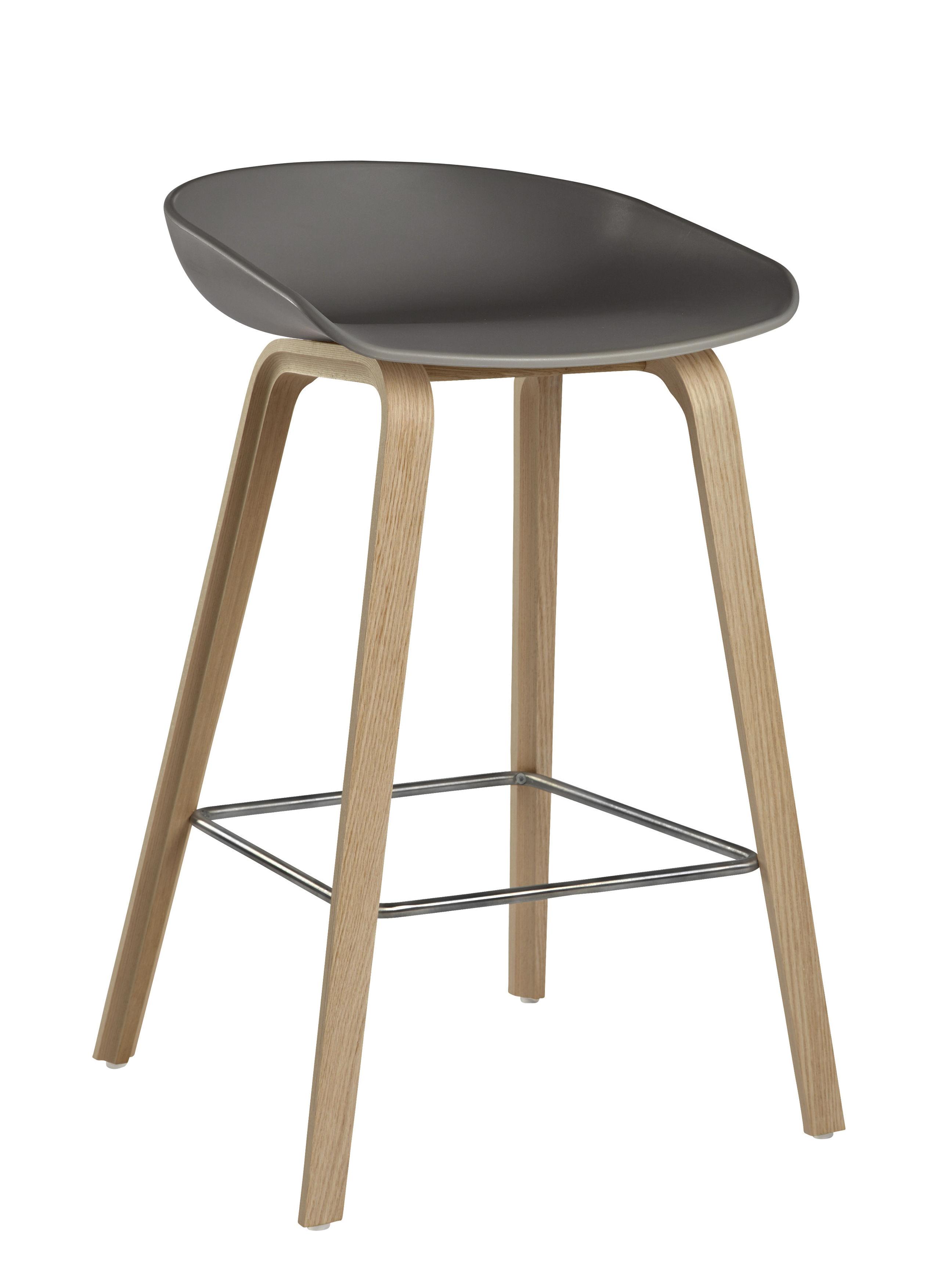 Mobilier - Tabourets de bar - Tabouret de bar About a stool AAS 32 / H 65 cm - Plastique & pieds bois - Hay - Gris / Pieds bois naturel - Chêne, Polypropylène