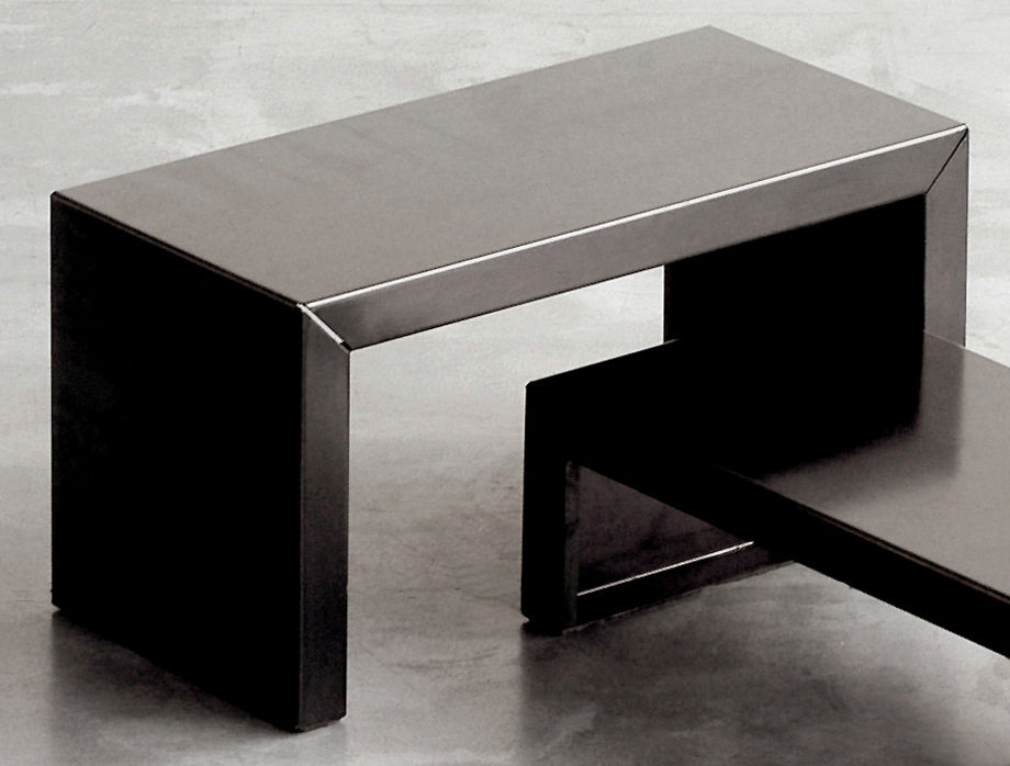 Möbel - Couchtische - Small Irony Couchtisch - Zeus - L 68 x H 35 cm - phosphatierter Stahl
