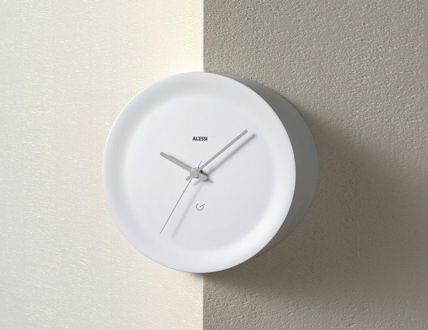Déco - Horloges  - Horloge murale Ora Out sur arête murale / Ø 21 x H 15 cm - Alessi - Blanc / Aiguilles grises - Résine thermoplastique