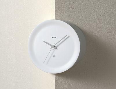 Interni - Orologi  - Orologio a parete Ora Out su spigolo a parete / Ø 21 x H 15 cm - Alessi - Bianco / Lancette grigie - Resina termoplastica