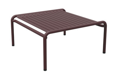Table basse Week-end / 69 x 60 cm - Aluminium - Petite Friture bordeaux en métal