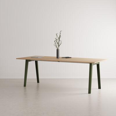 Table rectangulaire New Modern / 220 x 95 cm - Chêne éco-certifié / 10 à 12 personnes - TIPTOE vert en métal/bois
