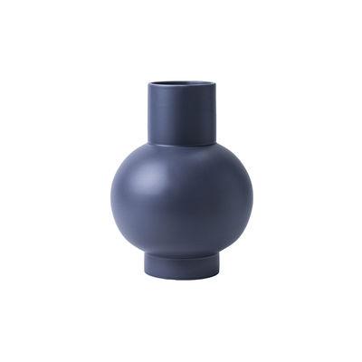 Image of Vaso Strøm Small - / H 16 cm - Ceramica / Fatta a mano di raawii - Viola - Ceramica