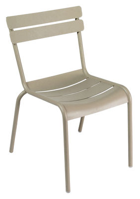 Life Style - Luxembourg Stacking chair by Fermob - Nutmeg - Lacquered aluminium