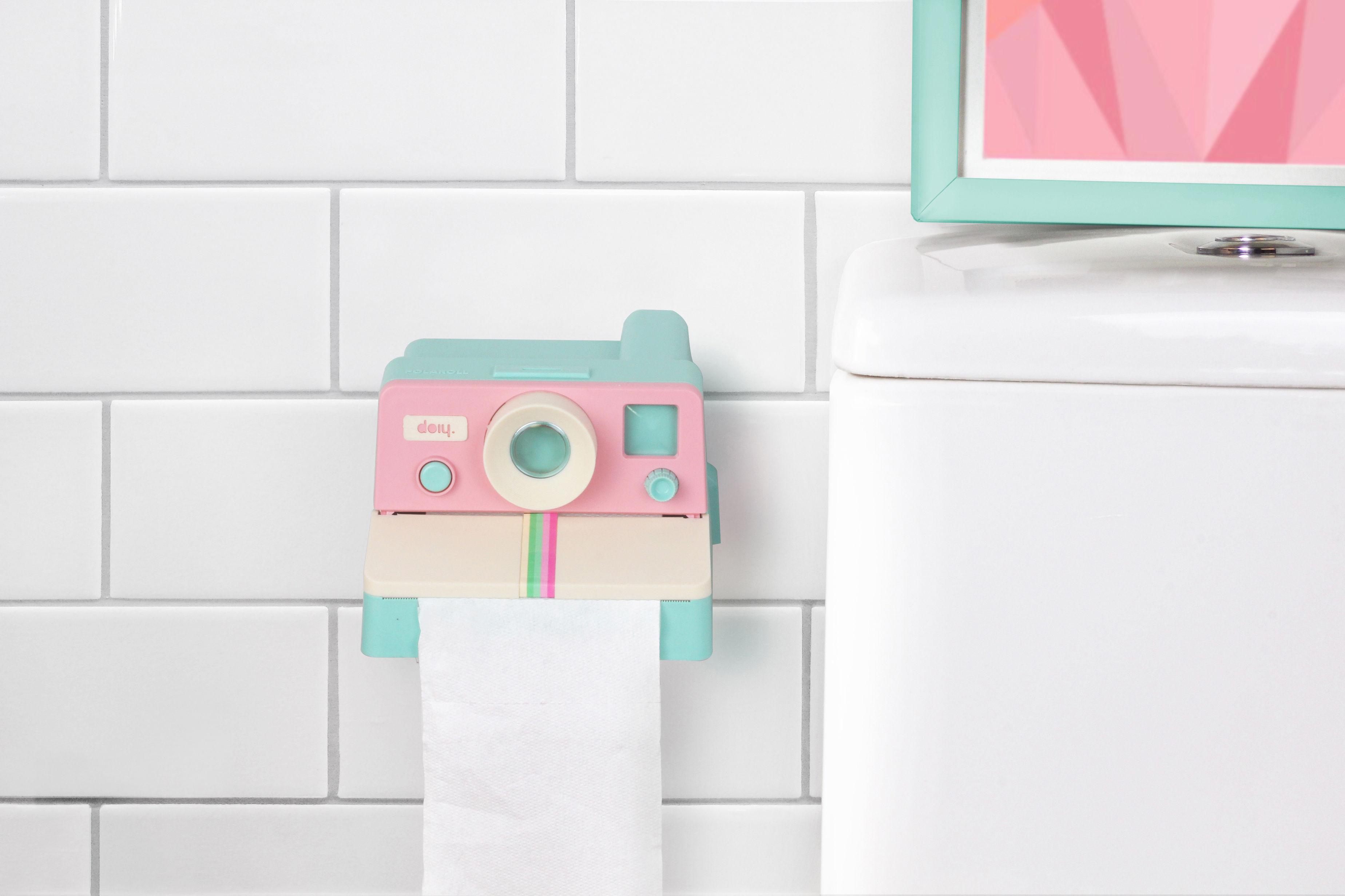 d rouleur de papier toilette polaroll rose vert menthe doiy made in design. Black Bedroom Furniture Sets. Home Design Ideas