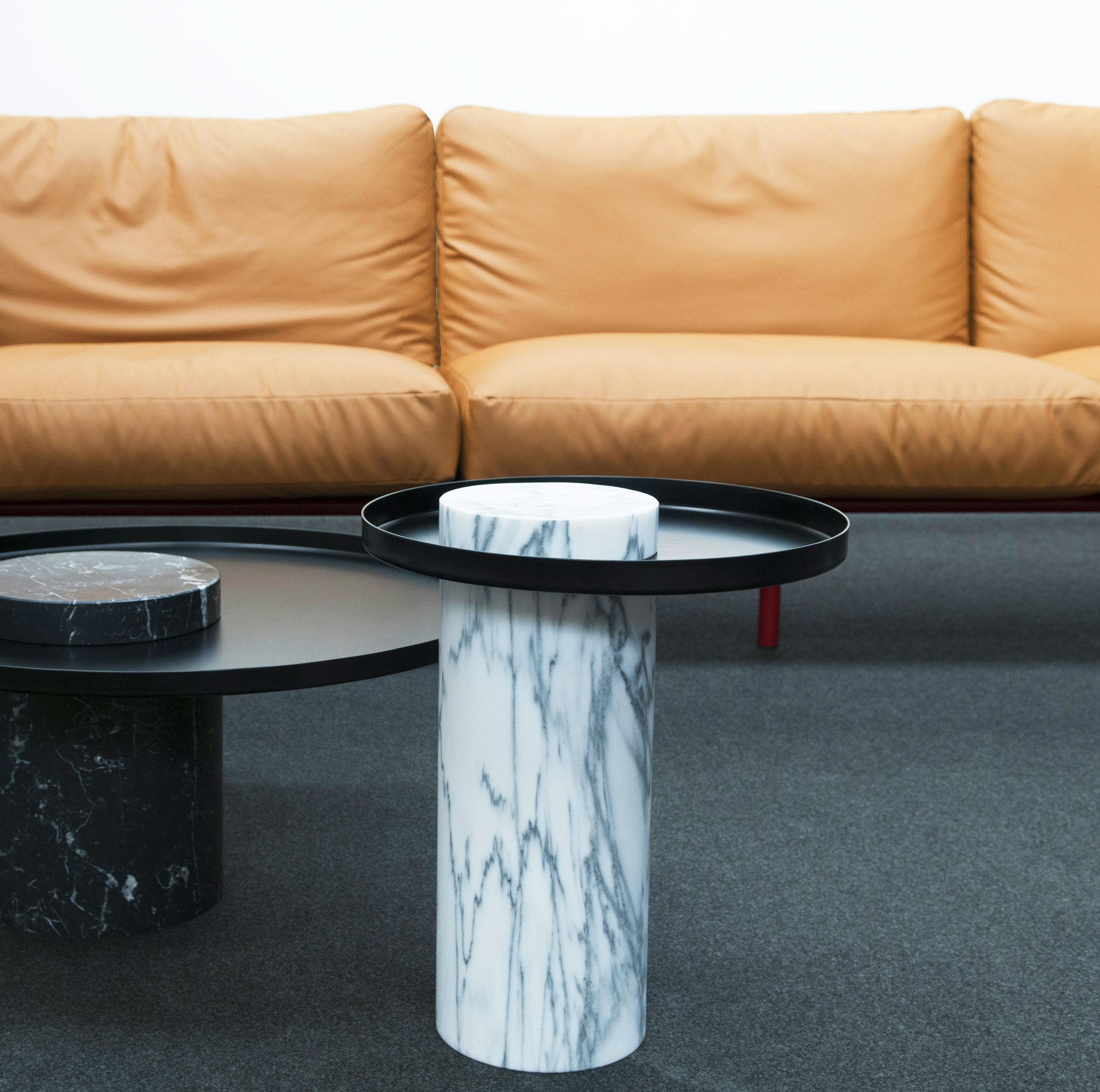 table d 39 appoint salute la chance marbre blanc plateau noir h 46 x 40 made in design. Black Bedroom Furniture Sets. Home Design Ideas