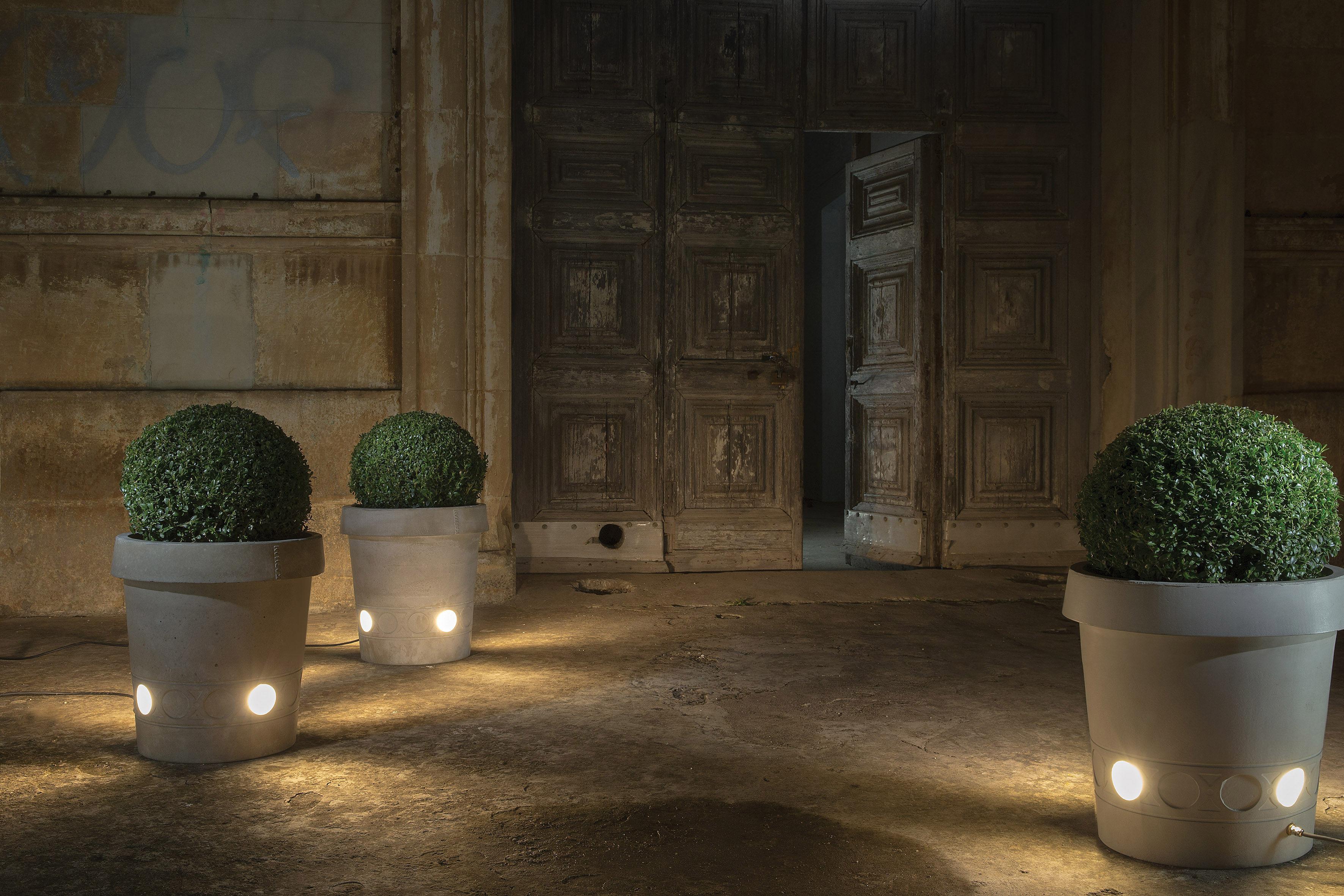 Vaso Da Esterno Grigio : Vaso per fiori luminoso gervaso led karman grigio l h