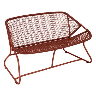 Canapé droit Sixties / L 118 cm - Plastique tressé - Fermob ocre rouge en matière plastique