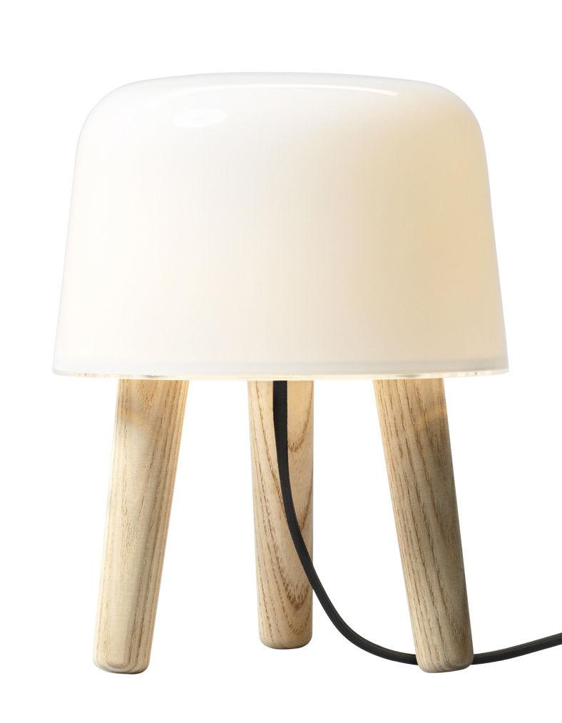 Luminaire - Lampes de table - Lampe de table Milk - &tradition - Blanc / Bois / Cordon noir - Chêne massif, Verre soufflé bouche
