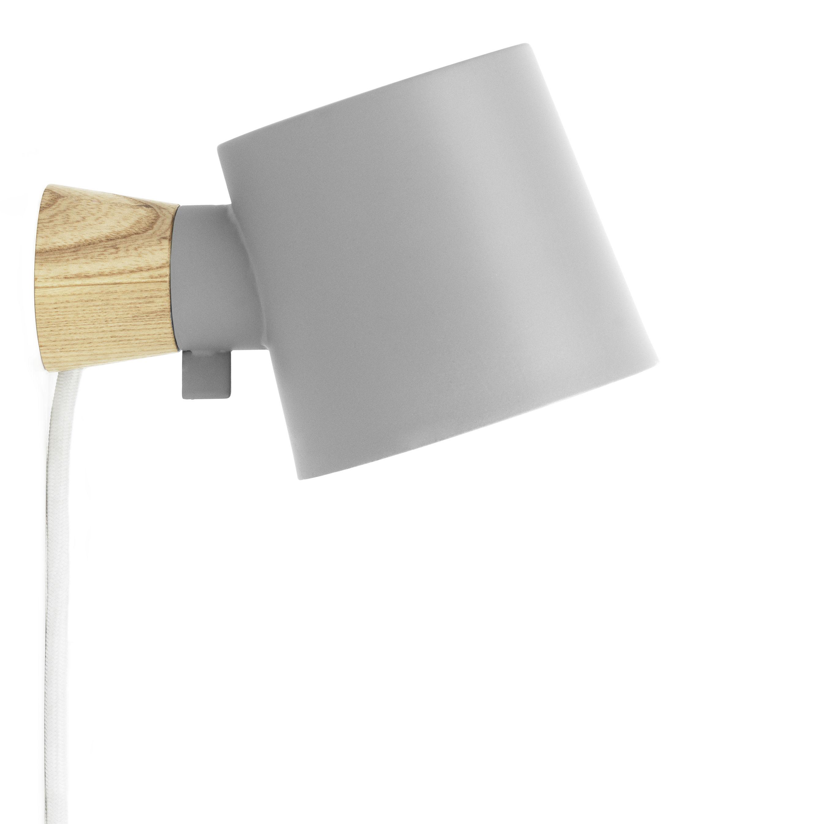 Luminaire - Appliques - Applique avec prise Rise / Orientable - Bois & métal - Normann Copenhagen - Gris / Bois - Frêne massif, Métal laqué
