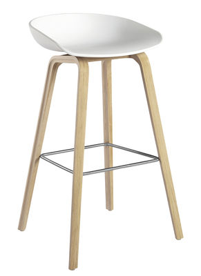 Furniture - Bar Stools - About a stool Bar stool - H 75 cm - Plastic & wood legs by Hay - White & Natural wood base - Oak, Polypropylene