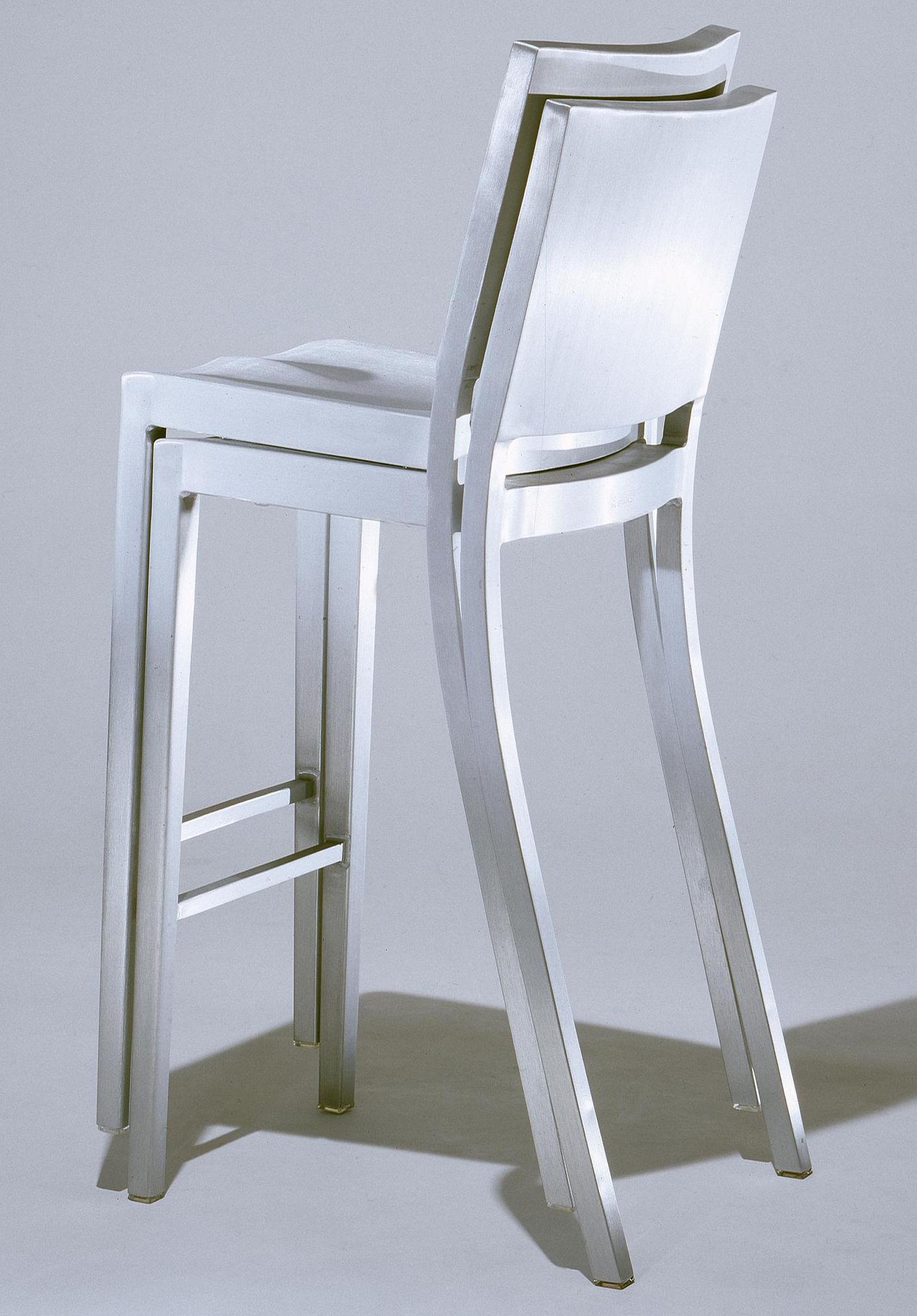 Scopri Sgabello Alto Hudson Stool Alluminio Opaco Di