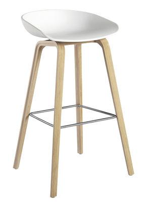 Tabouret de bar About a stool AAS 32 / H 75 cm - Plastique & pieds bois - Hay blanc,bois clair en matière plastique