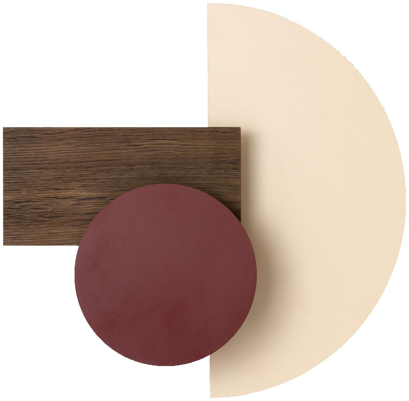 Luminaire - Appliques - Applique avec prise Wall Wonder - Ferm Living - Bordeaux / Beige / Bois - Chêne fumé, Laiton, Laminé peint