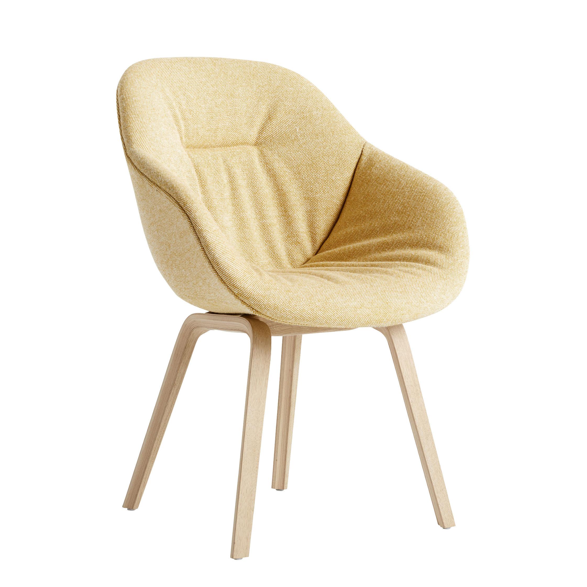 Möbel - Stühle  - About a chair AAC123 Soft Gepolsterter Sessel / Hohe Rückenlehne - Ganz mit Steppstoff bezogen & matt lackierte Eiche - Hay - Gelb / Eiche matt lackiert -  Ouate, Eiche, mattlackiert, Kvadrat-Gewebe, Polyurethan-Schaum, verstärktes Polypropylen