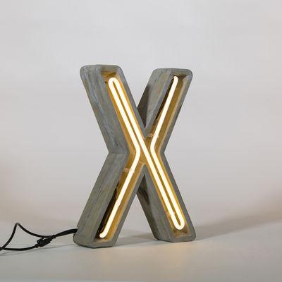 Néon Alphacrete Tischleuchte / Buchstabe X - Seletti - Weiß,Grau