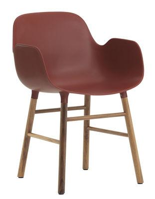 Mobilier - Chaises, fauteuils de salle à manger - Fauteuil Form / Pied noyer - Normann Copenhagen - Rouge / noyer - Noyer, Polypropylène
