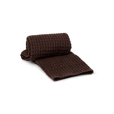 Home textile - Bath linen - Organic Hand towel - / 100 x 50 cm - Honeycomb by Ferm Living - Chocolate - Organic cotton GOTS