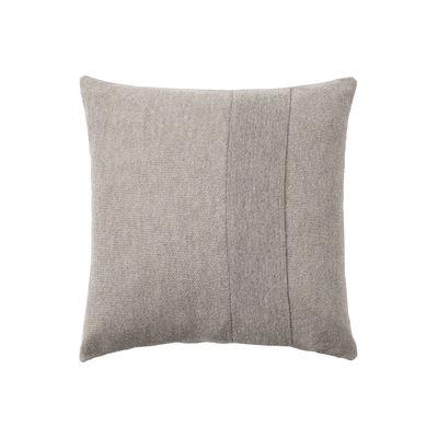 Déco - Coussins - Coussin Layer / Laine baby lama tricotée main - 50 x 50 cm - Muuto - Gris clair -  Plumes, Coton, Laine baby lama