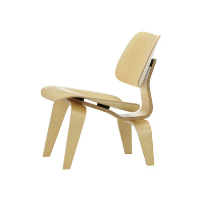 Furniture - Armchairs - Plywood Group LCW Low armchair - / By Charles & Ray Eames, 1945 by Vitra - Natural ash - Ash veneer, Molded plywood