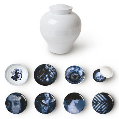 Tischkultur - Teller - Yuan Osorio Tafelservice / Set aus 8 stapelbaren Teilen - Ibride - Motive grau-blau / Rückseite weiß - Melamin