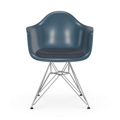 Arredamento - Sedie  - Poltrona DAR - Eames Plastic Armchair - / (1950) - Cuscino da seduta di Vitra - Blu marine / Cuscino blu - Acciaio, Polipropilene, Schiuma di poliuretano, Tessuto