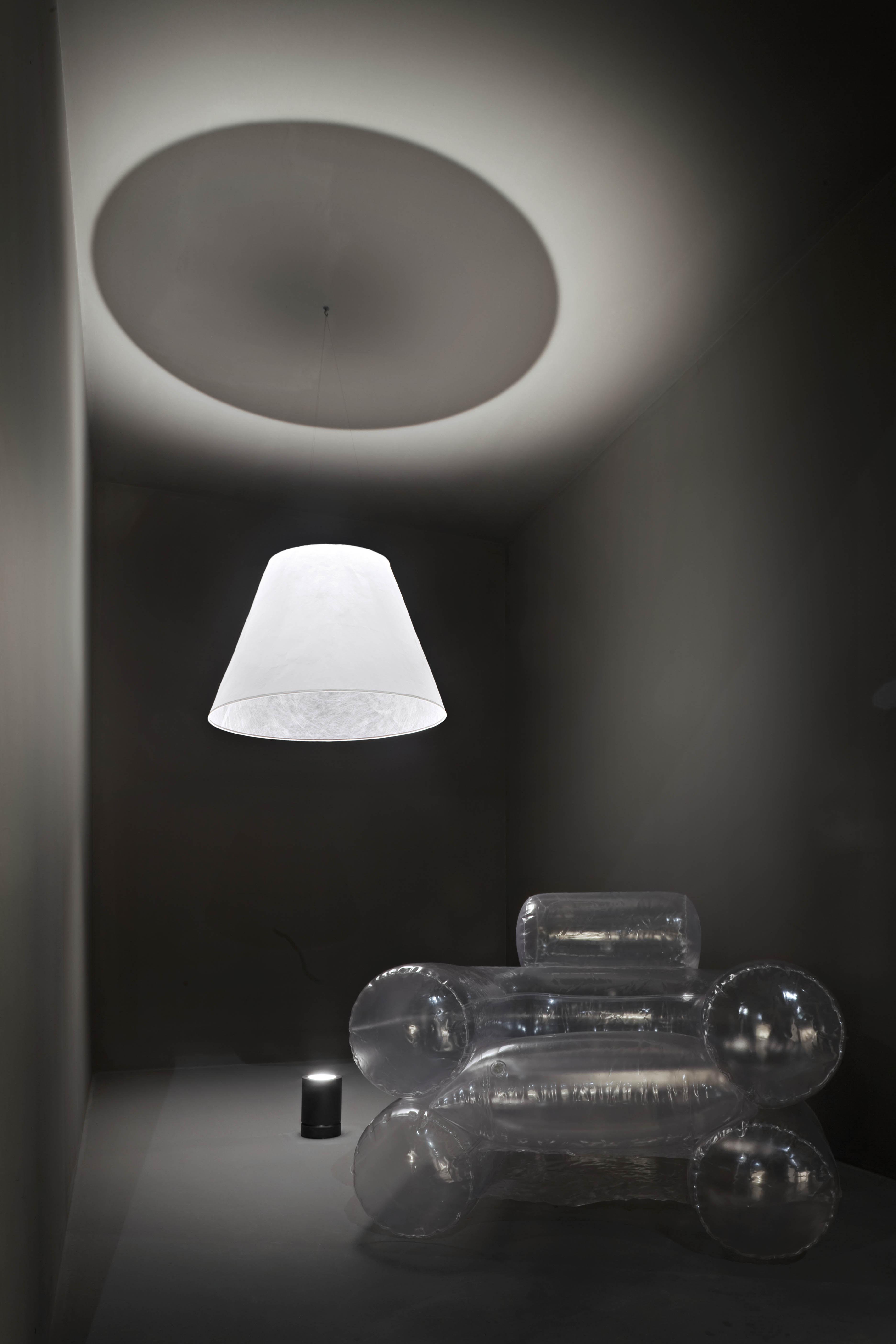 shade lampe set aus led bodenprojektor lampenschirm projektor schwarz lampenschirm wei. Black Bedroom Furniture Sets. Home Design Ideas