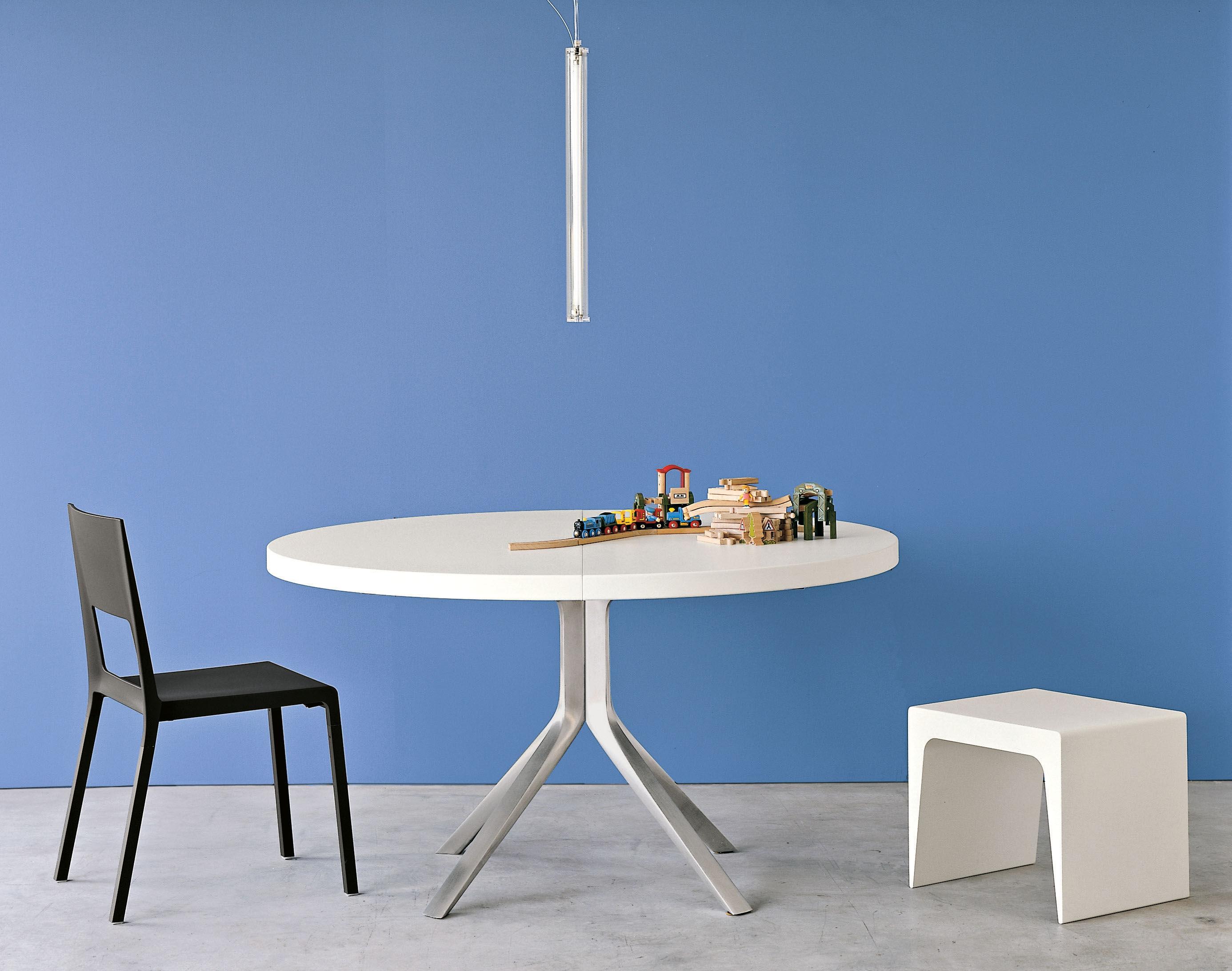 Tavolo con prolunga oops di kristalia bianco made in for Prolunga tavolo