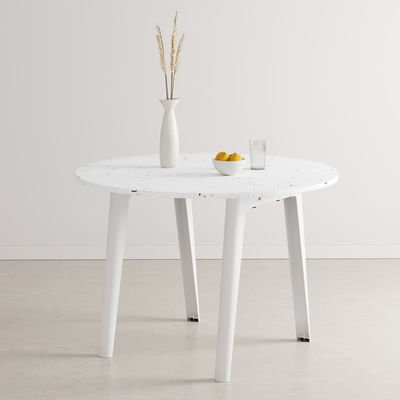 Furniture - Dining Tables - New Modern Round table - / Ø 108 cm - Recycled plastic / 4 to 6 people by TIPTOE - Cloud White - Powder coated steel, Recycled plastic