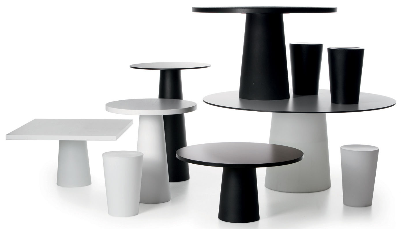 pied de table container moooi pied noir 56 x h 70 cm h 70 x 56 made in design. Black Bedroom Furniture Sets. Home Design Ideas