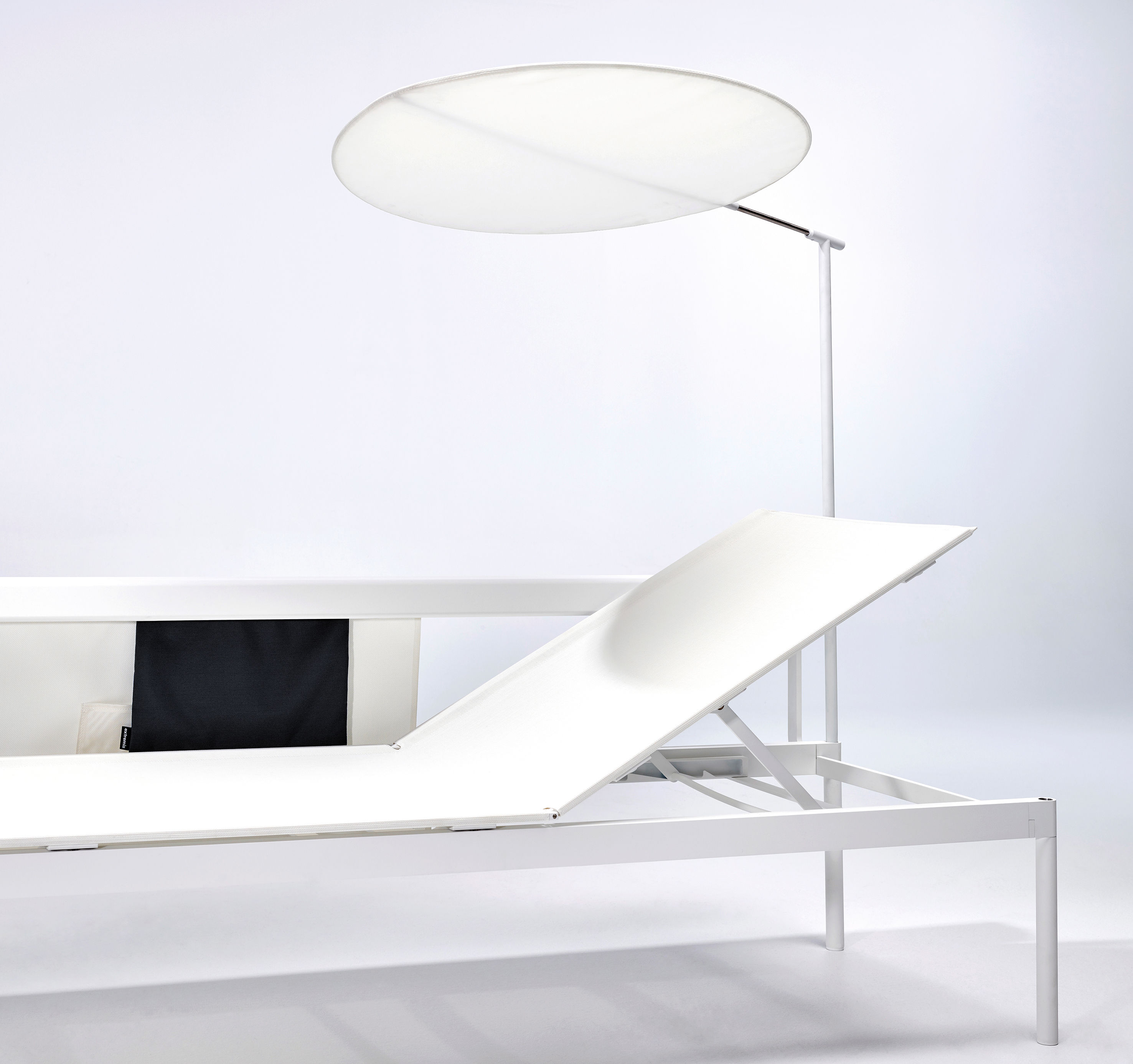 pare soleil extremis non lumineux blanc m tal h 150 x 75 made in design. Black Bedroom Furniture Sets. Home Design Ideas
