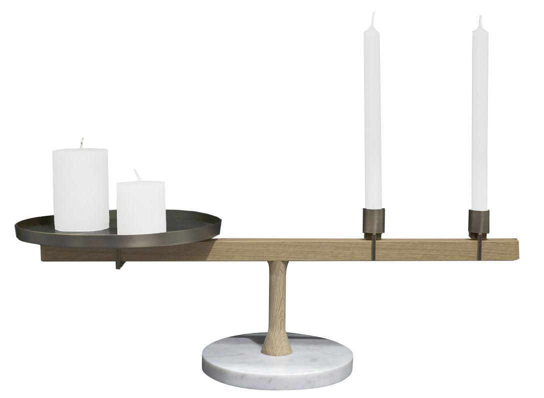 Dekoration - Kerzen, Kerzenleuchter und Windlichter - Balance Kerzenleuchter / L 60 cm x H 18 cm - Marmor, Eiche & Messing - Driade - Marmor weiß, Eiche & Messing - Laiton massif, Marbre de Carrare, massive Eiche