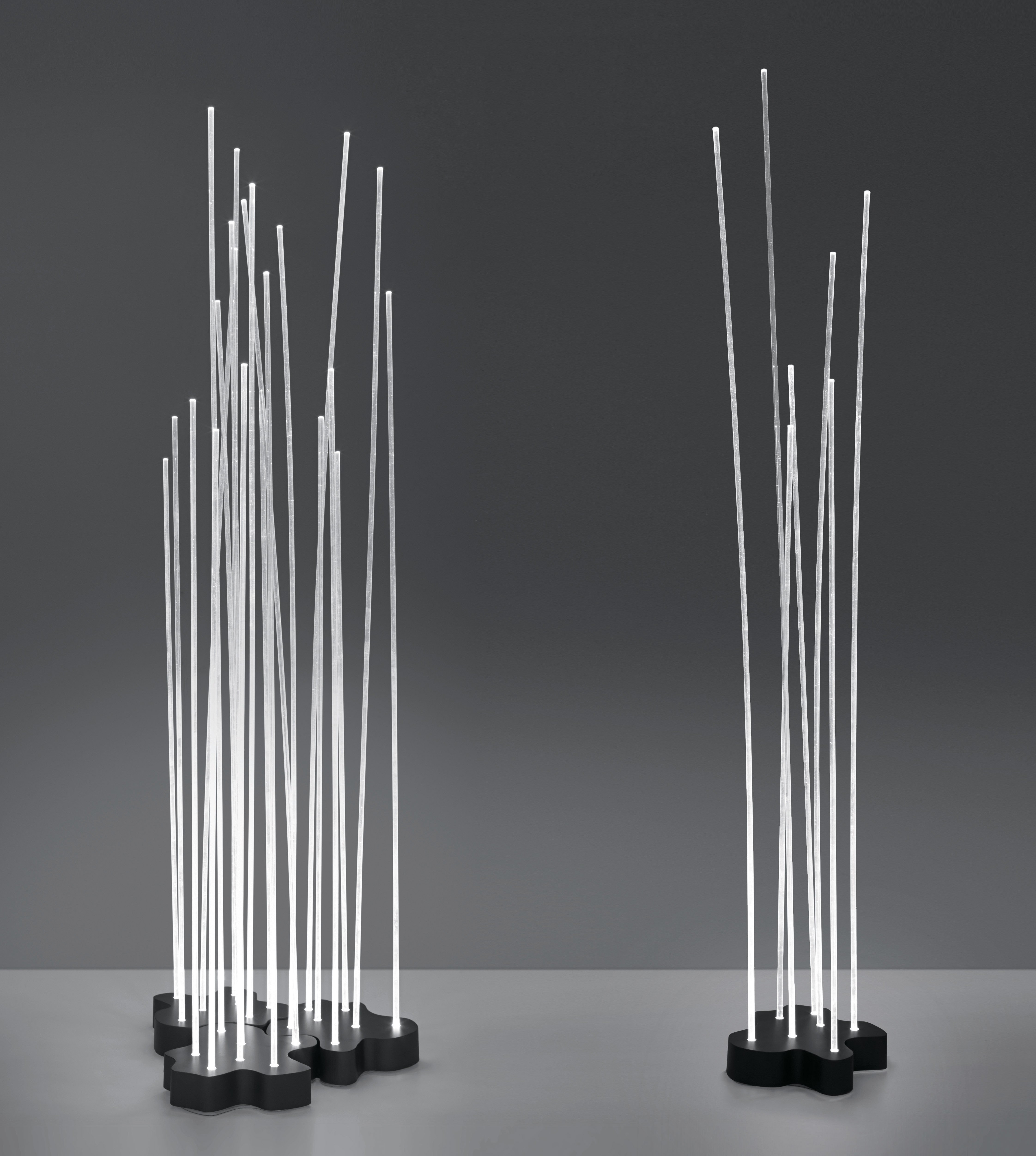reeds led outdoor lampada a stelo - / 7 steli bianco / base grigio