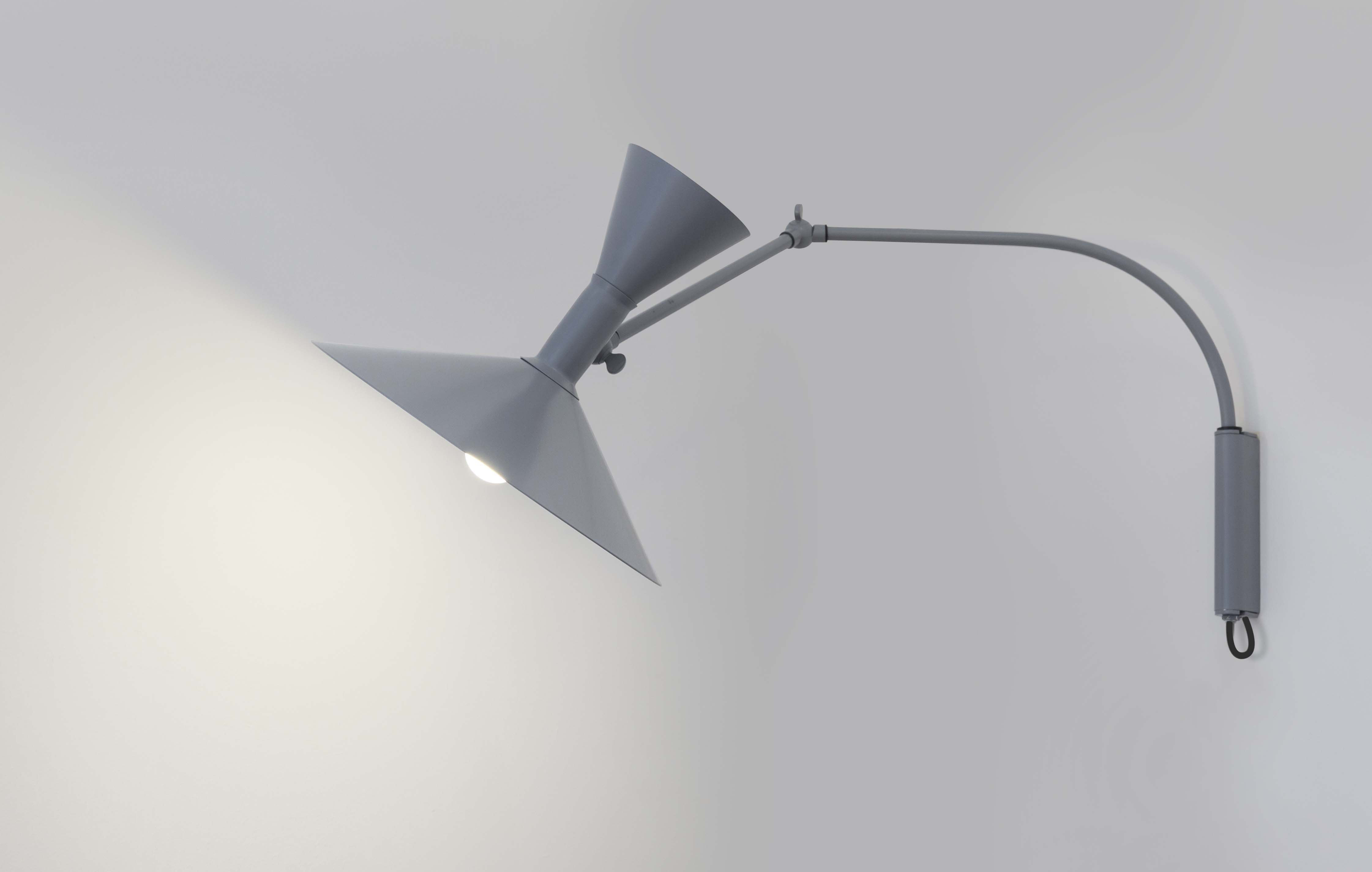 Applique con presa lampe de marseille mini nemo grigio opaco