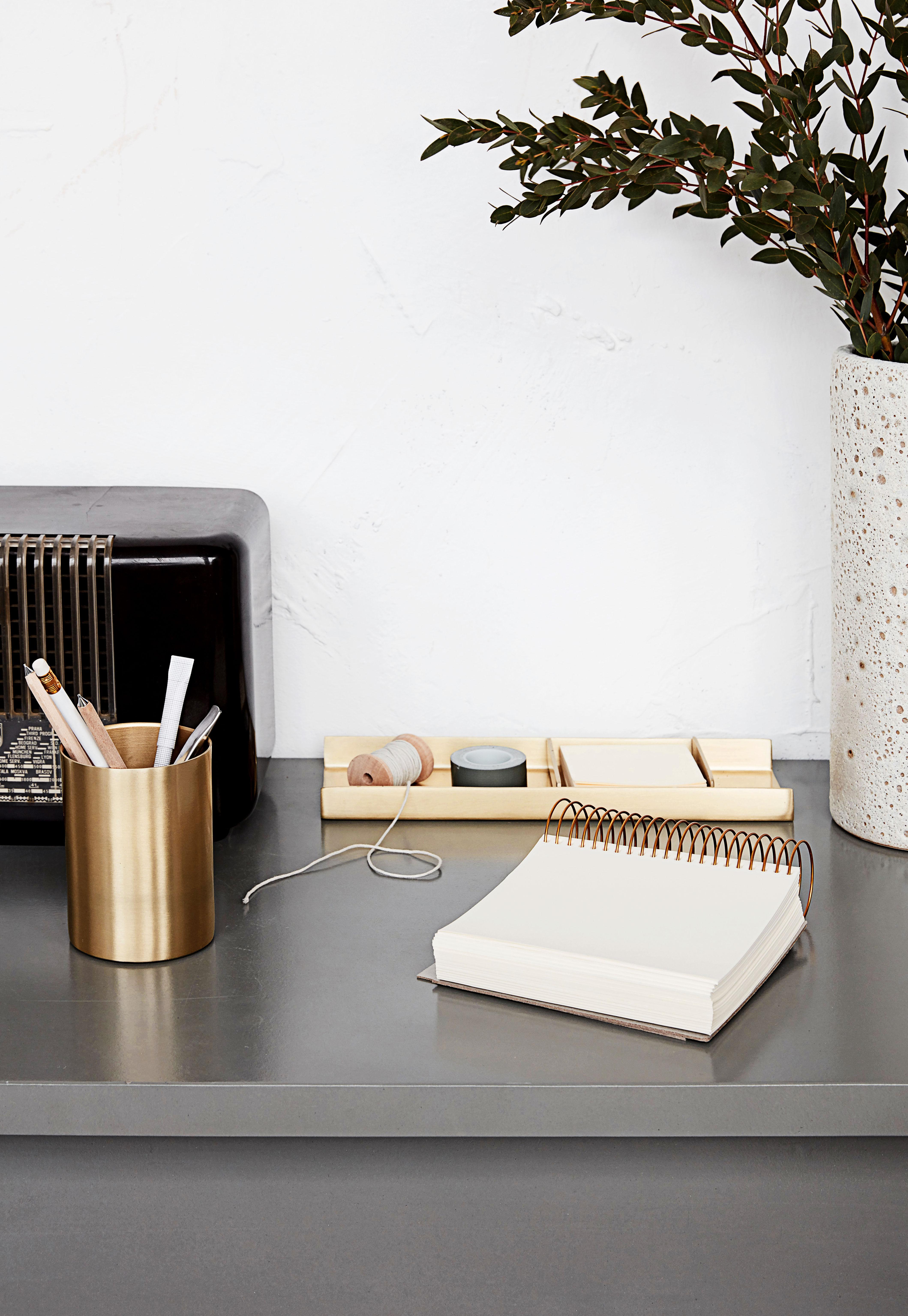organiseur de bureau house doctor laiton l 26 6 x l 9. Black Bedroom Furniture Sets. Home Design Ideas