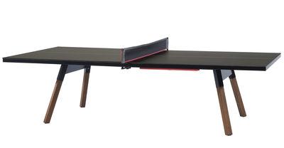 Outdoor - Tische - Y&M rechteckiger Tisch / L 274 cm - Tischtennisplatte und Esstisch - RS BARCELONA - Schwarz / Stuhlbeine holzfarben - HPL, Iroko-Holz, Stahl