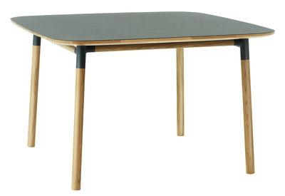 Table Form / 120 x 120 cm - Normann Copenhagen vert,chêne en matière plastique