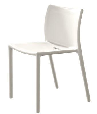 Mobilier - Chaises, fauteuils de salle à manger - Chaise empilable Air-chair / Polypropylène - Magis - Blanc - Polypropylène