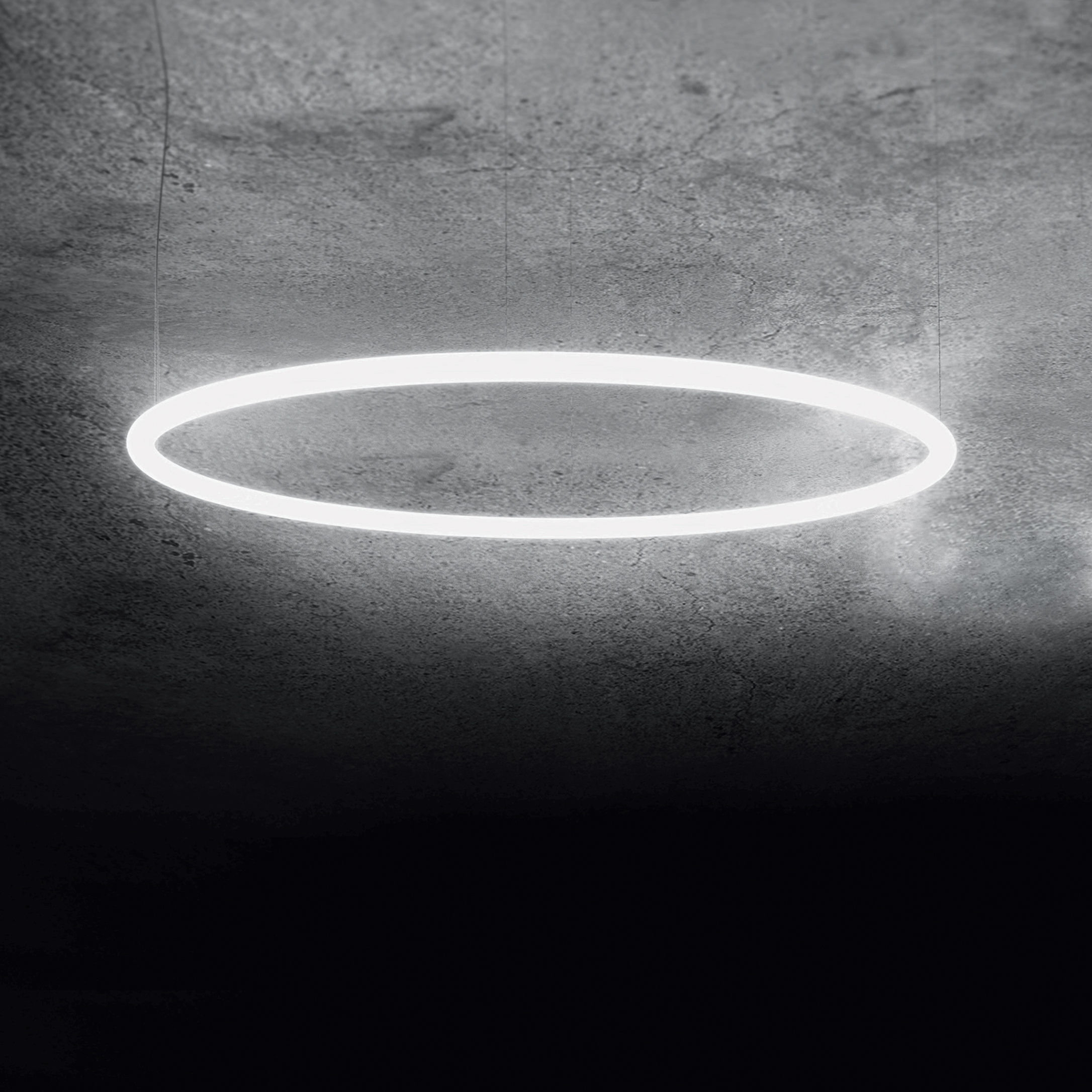 Lighting - Pendant Lighting - Alphabet of light Pendant - / Circular - Ø 90 cm by Artemide - White / Ø 90 cm - Aluminium, Methacrylate