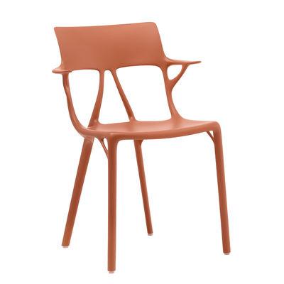 Mobilier - Chaises, fauteuils de salle à manger - Fauteuil empilable A.I / Conçu par une intelligence artificielle - 100% recyclé - Kartell - Orange - Technopolymère thermoplastique recyclé
