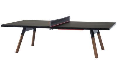 Outdoor - Tische - Table Y&M / L 220 cm - Table ping pong & repas - RS BARCELONA - Schwarz / Stuhlbeine holzfarben - HPL, Iroko-Holz, Stahl