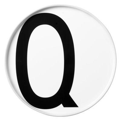 Arts de la table - Assiettes - Assiette Arne Jacobsen / Porcelaine - Lettre Q - Ø 20 cm - Design Letters - Blanc / Lettre Q - Porcelaine de Chine