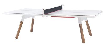 Outdoor - Tavoli  - Tavolo Y&M - / L 274 cm - Tavolo da ping pong & da pasti di RS BARCELONA - Bianco / Gambe in legno - Acciaio, HPL, Legno di iroko