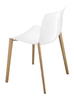 Chaise empilable Catifa 53 / Coque unie - Pieds bois - Arper blanc/bois naturel en bois