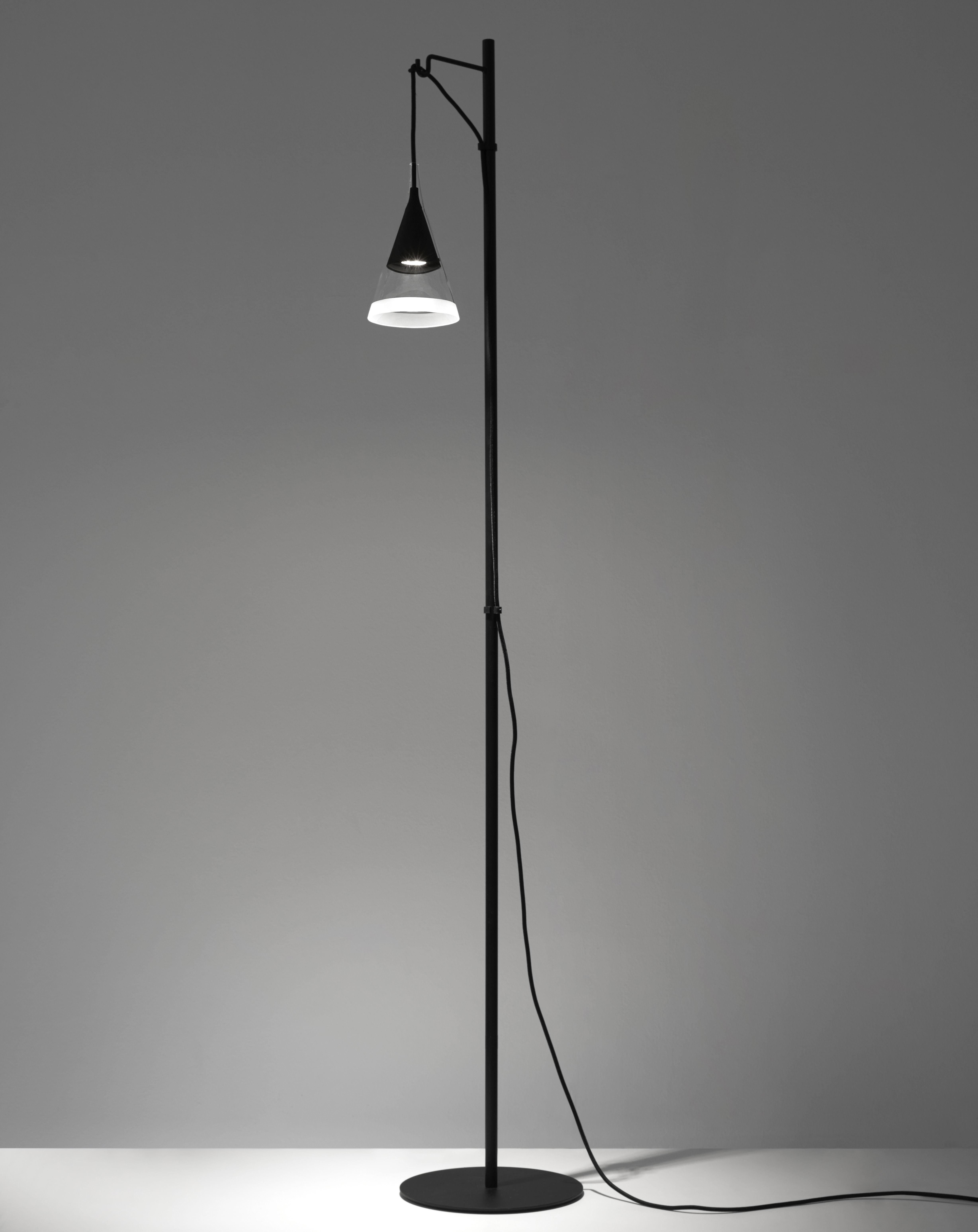 Leuchten - Stehleuchten - Vigo Stehleuchte / LED - Artemide - Schwarz - geblasenes Glas, Metall