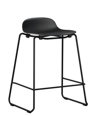 Tabouret de bar Form empilable / Pied métal - H 65 cm - Normann Copenhagen noir en matière plastique